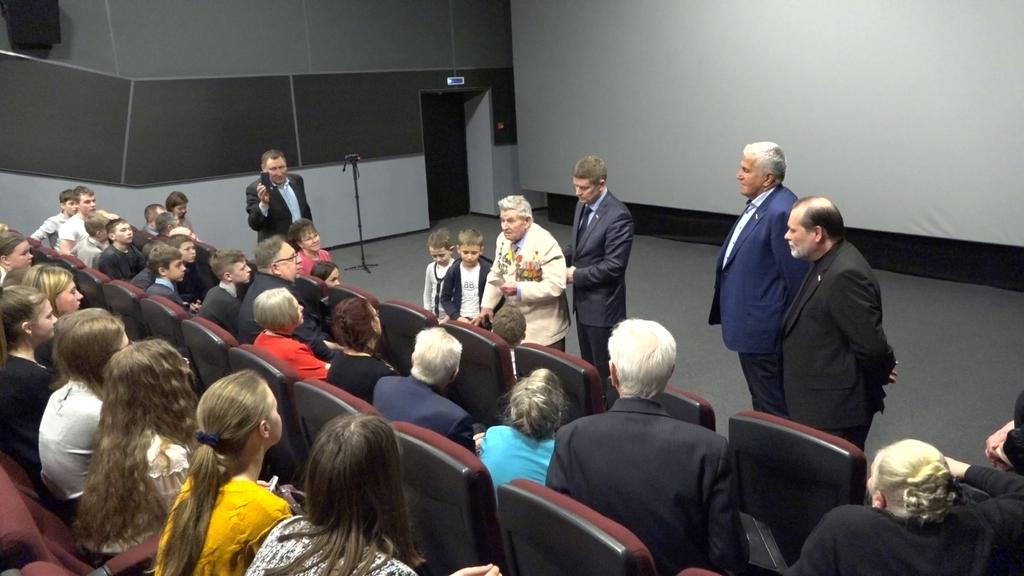 """В Кузнецке состоялся премьерный показ документального фильма """"Один за всю дивизию"""""""
