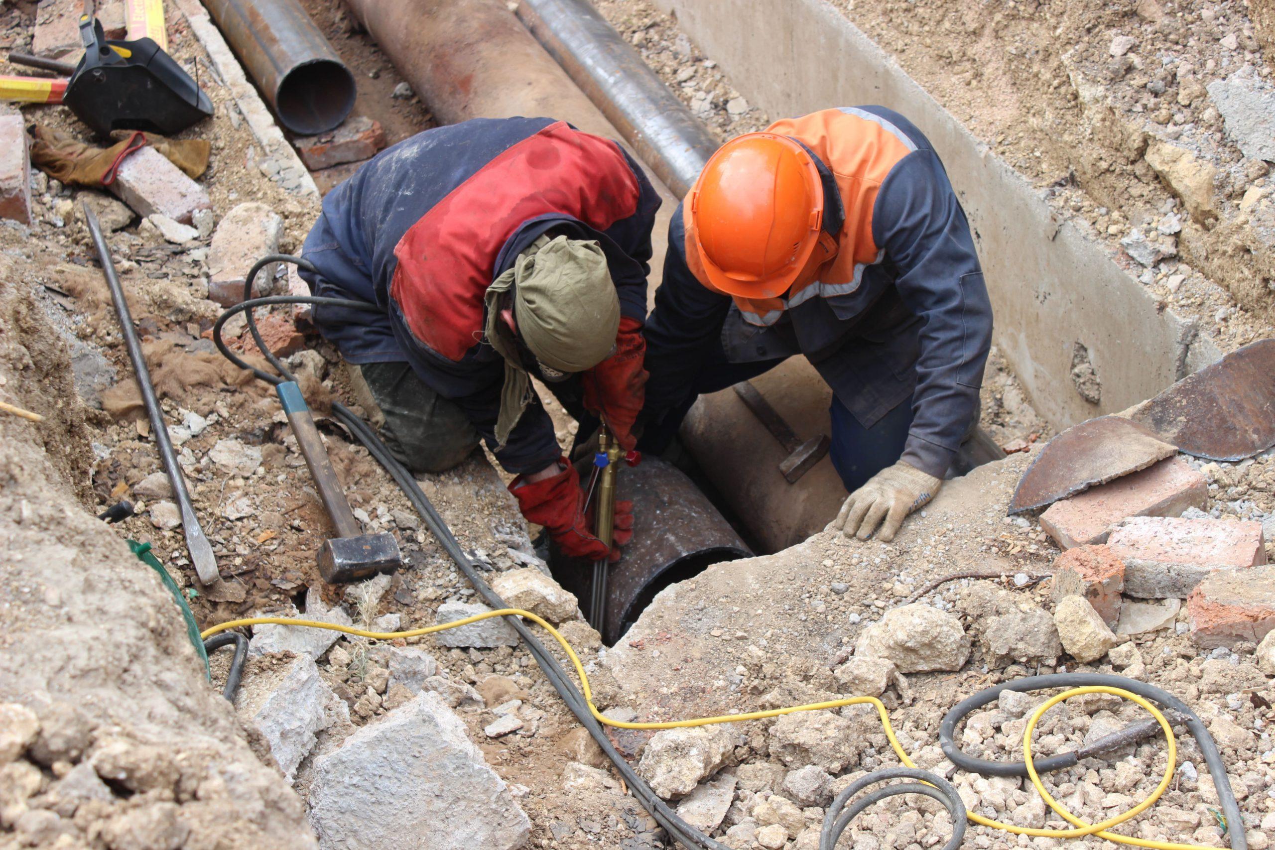 МКП «Теплосеть» продолжает работы по ликвидации порывов на тепловых сетях