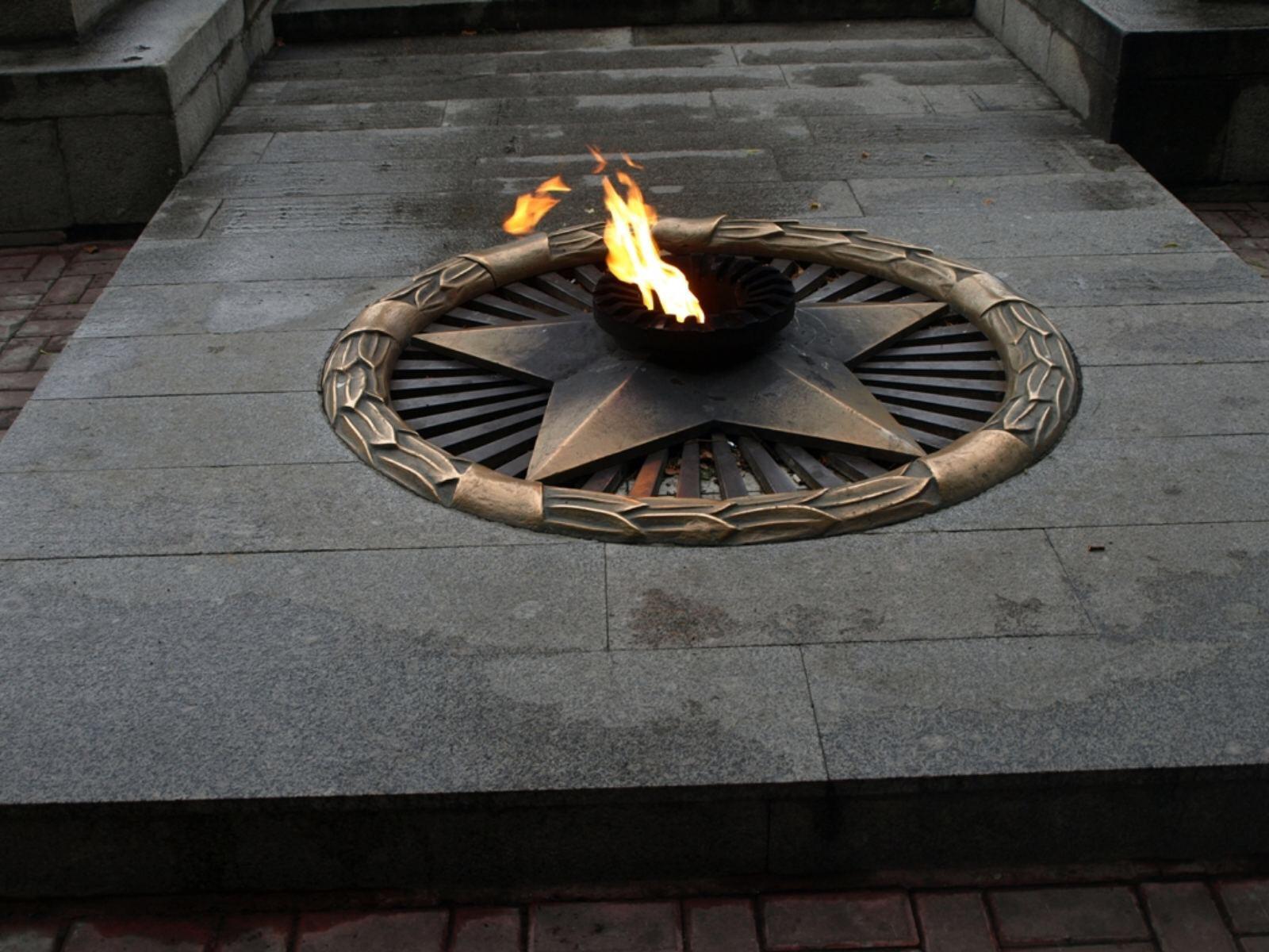 В Кузнецке на Холме воинской славы заменят звезду  у  Вечного огня